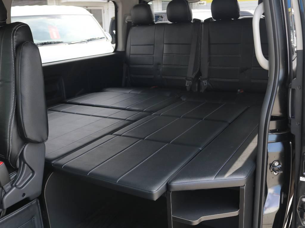 テーブル取り外し可能なセンターテーブルに収納可能なベッドキット仕様♪ | トヨタ ハイエース 2.7 GL ロング ミドルルーフ 4WD アレンジR1 トリプルナビ