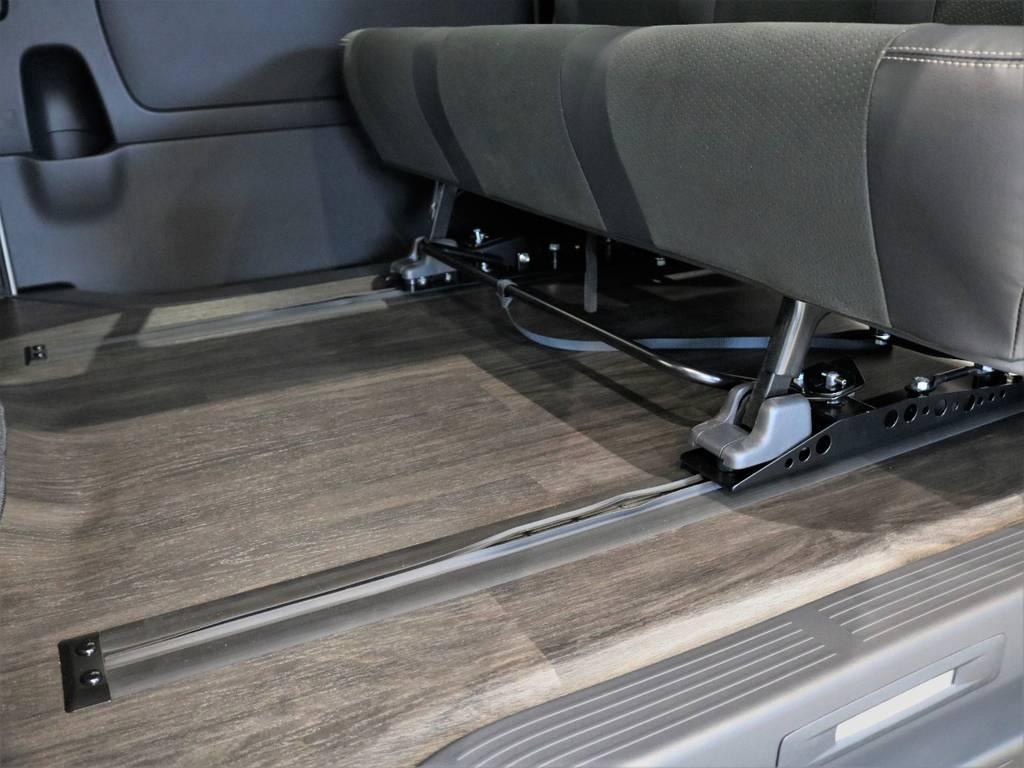 2ndシートはスライドレール施工済! | トヨタ ハイエースバン 2.7 スーパーGL ダークプライムⅡ ワイド ミドルルーフ ロングボディ 4WD 内装架装アレンジFU-Wスライド