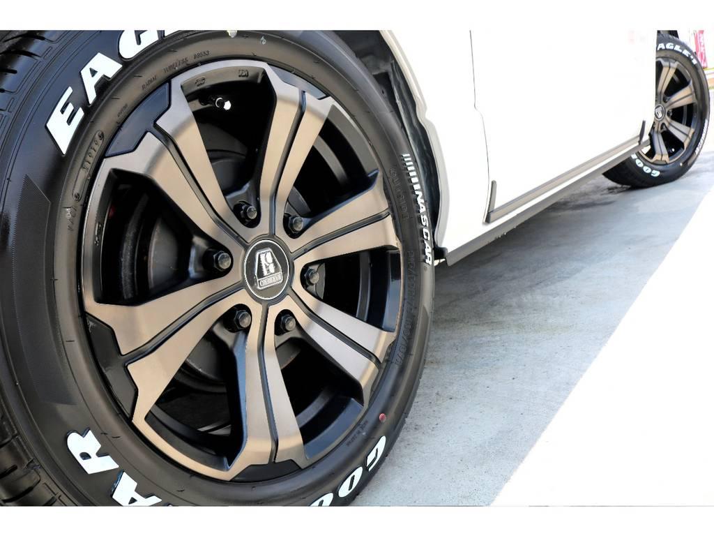 FLEXオリジナルカラー バルベロUG 17インチアルミをインストール!ブロンズカラーがホワイトの車体に映えます♪