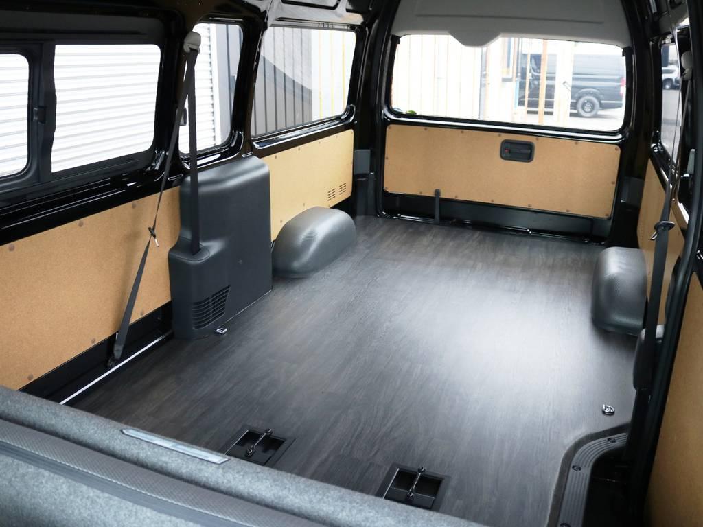 広々としたラゲージスペースが特徴のハイエースバン スーパーロング♪ | トヨタ ハイエースバン 2.8 DX ワイド スーパーロング ハイルーフ GLパッケージ ディーゼルターボ 4WD 床張りライトカスタム