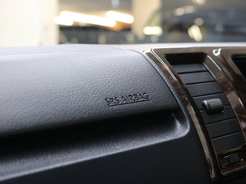 50th専用のインテリアパネル!   トヨタ ハイエースバン 2.8 スーパーGL 50TH アニバーサリー リミテッド ロングボディ ディーゼルターボ 4WD 50th限定車ナビパッケージ