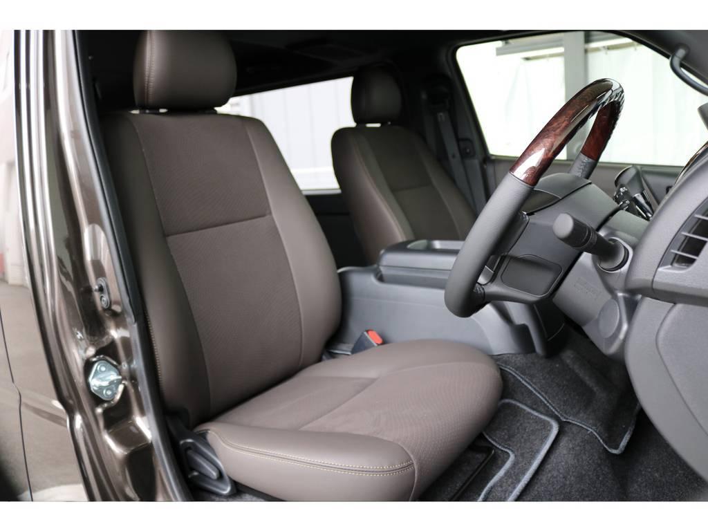 ブラウン調のインテリアでお洒落です!   トヨタ ハイエースバン 2.8 スーパーGL 50TH アニバーサリー リミテッド ロングボディ ディーゼルターボ 4WD 50th限定車ナビパッケージ