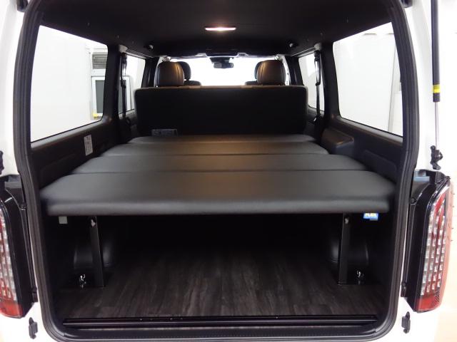 車中泊にも最適なベットKIT!! | トヨタ ハイエースバン 2.0 スーパーGL 50TH アニバーサリー リミテッド ロングボディ 床張りファミリーパッケージ