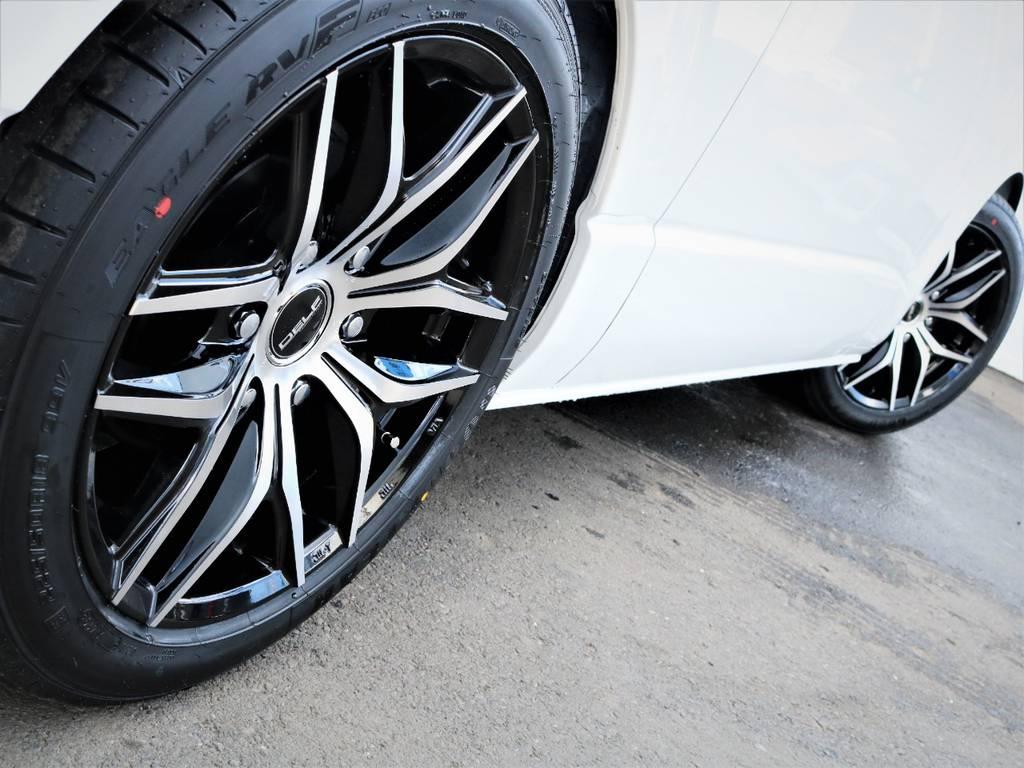 足元バッチリ決まっております! | トヨタ ハイエースバン 2.8 スーパーGL ダークプライムⅡ ロングボディ ディーゼルターボ アレンジFU