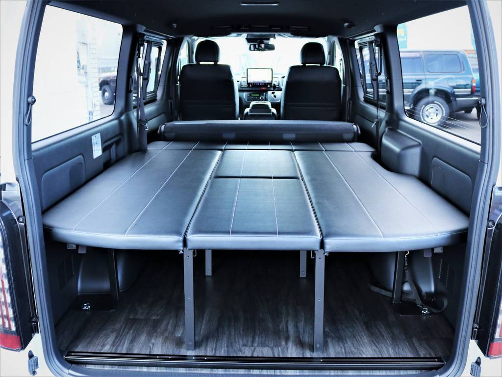 就寝スペース広々御座います!跳ね上げ式ベッドキット! | トヨタ ハイエースバン 2.8 スーパーGL ダークプライムⅡ ロングボディ ディーゼルターボ アレンジFU