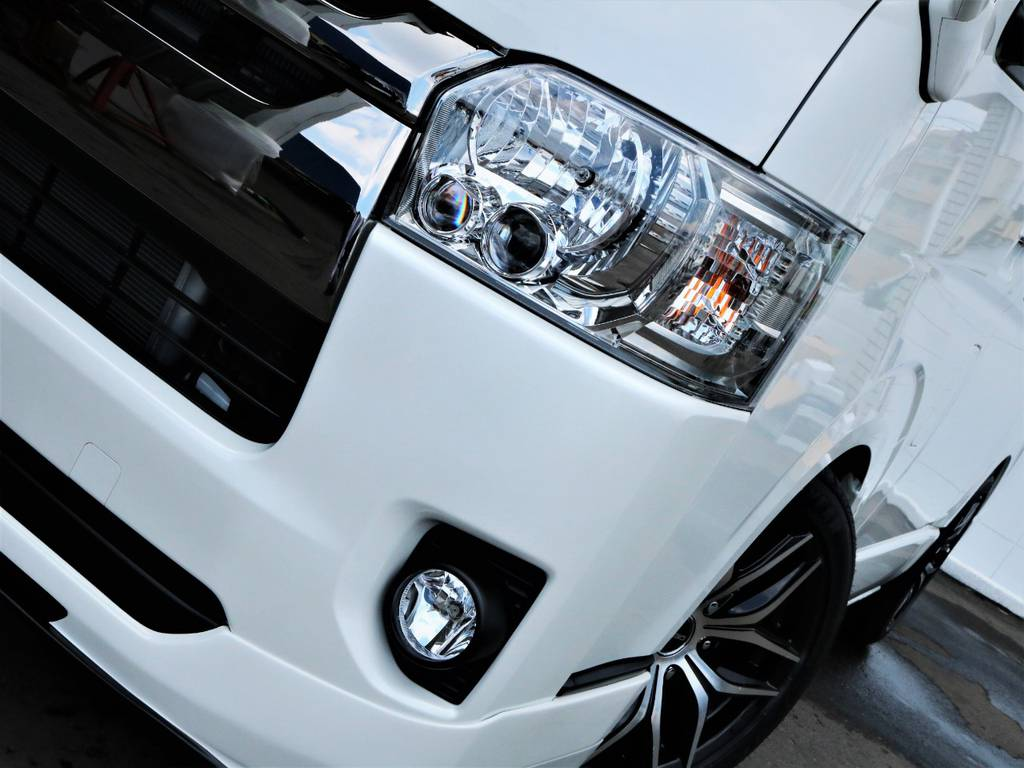 夜間走行に便利なメーカーオプション「LEDヘッドライト」! | トヨタ ハイエースバン 2.8 スーパーGL ダークプライムⅡ ロングボディ ディーゼルターボ アレンジFU