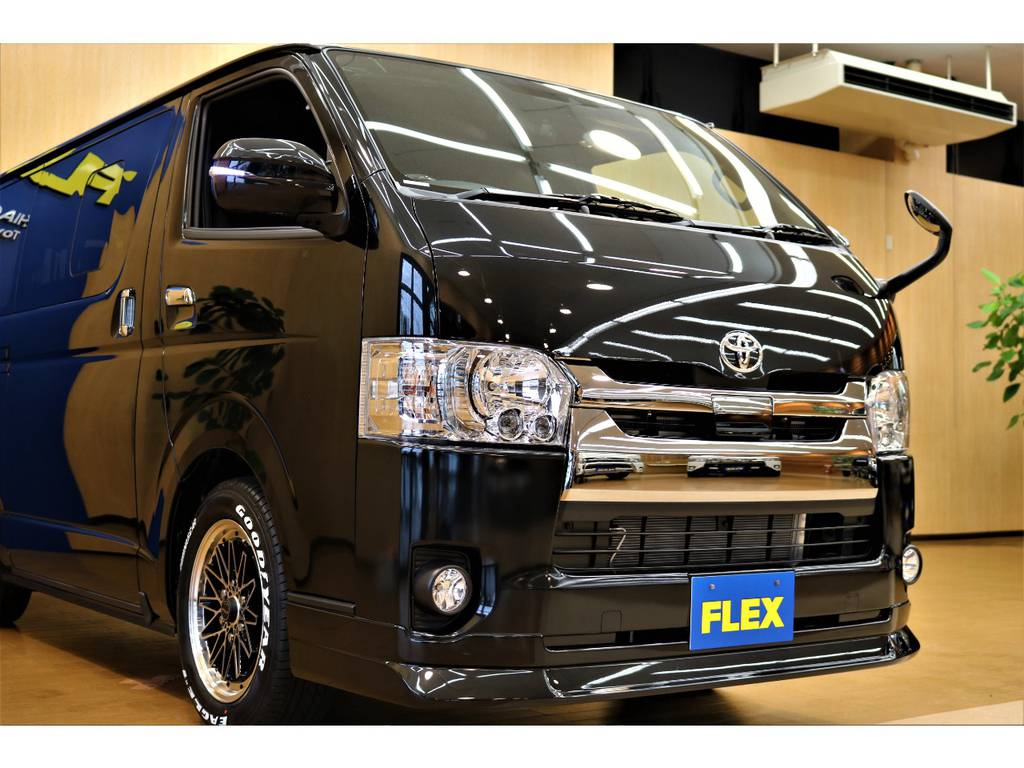FLEXオリジナルのDelfino Lineフロントスポイラーがスタイリッシュな印象を与えます!!