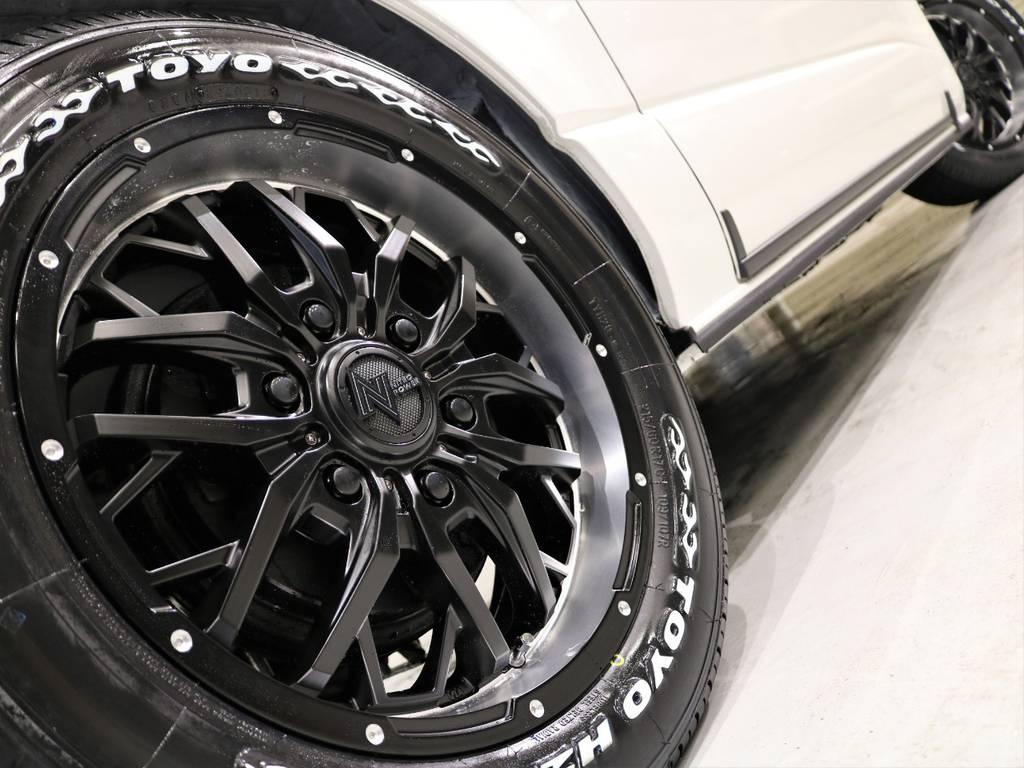 ナイトロパワー ガジェットアルミホイール17inとTOYO H20タイヤ17inの組み合わせ! | トヨタ ハイエース 2.7 GL ロング ファインテックツアラー 4WD 特別架装車ファインテックツアラー