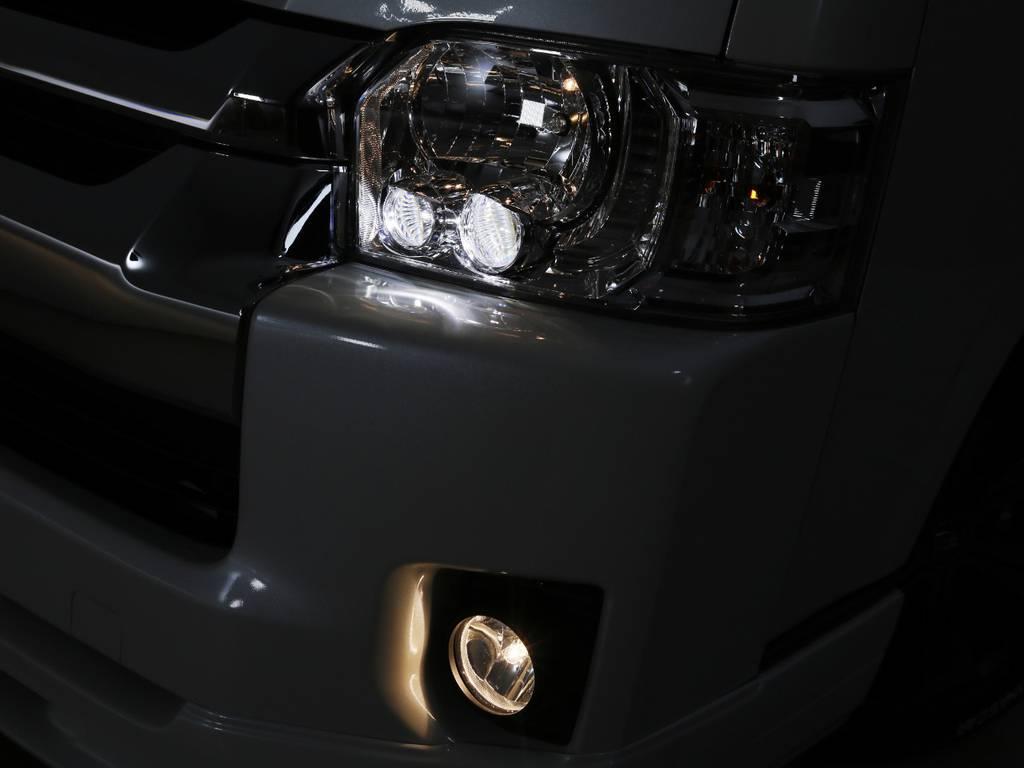 LEDヘッドライト 標準装備!