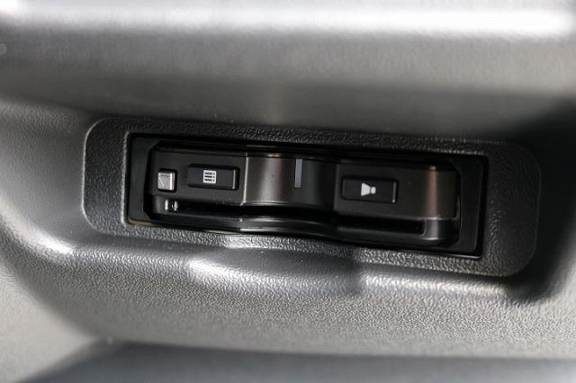 運転席カードホルダーをビルトインETCへ変更しました