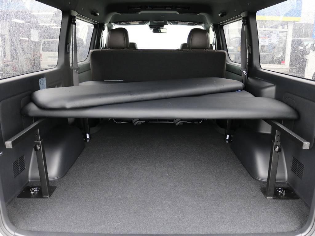 簡単にマットの着脱可能!5段階の高さ調節機能付き!   トヨタ ハイエースバン 2.7 スーパーGL 50THアニバーサリー リミテッド ワイド ミドルルーフ ロングボディ4WD ナビ&ベッドキッドパッケージ