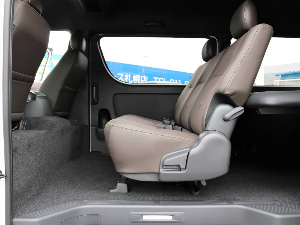 機能性も見た目もグッド!   トヨタ ハイエースバン 2.7 スーパーGL 50THアニバーサリー リミテッド ワイド ミドルルーフ ロングボディ4WD ナビ&ベッドキッドパッケージ
