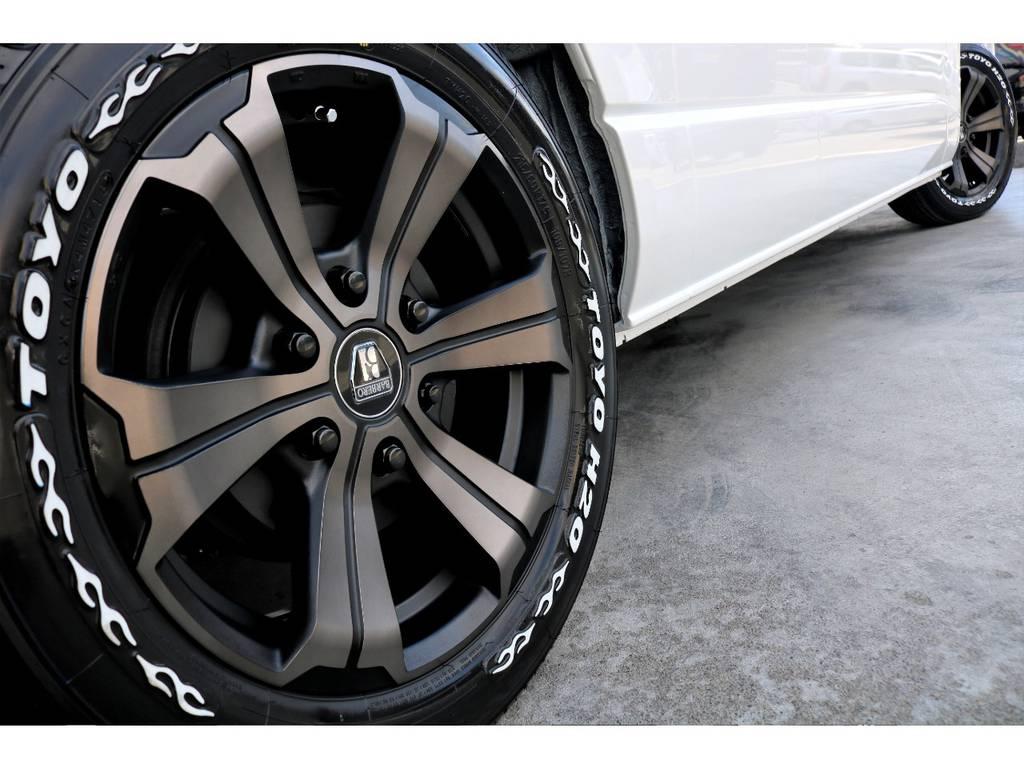 迫力あるサイドライン!!   トヨタ ハイエースバン 2.8 DX ワイド スーパーロング ハイルーフ GLパッケージ ディーゼルターボ 4WD トランポPKG