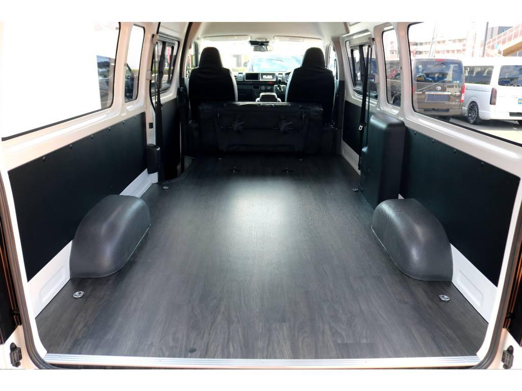 床張り施工で趣味に仕事に大活躍!!   トヨタ ハイエースバン 2.8 DX ワイド スーパーロング ハイルーフ GLパッケージ ディーゼルターボ 4WD トランポPKG