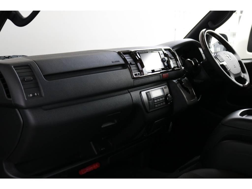 メーカーOPの助手席エアバッグが標準装備! | トヨタ ハイエースバン 2.0 スーパーGL 50TH アニバーサリー リミテッド ロングボディ TRDバンパー・オフロード仕様