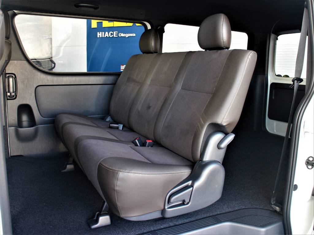 セカンドシートは3人定員です! | トヨタ ハイエースバン 2.7 スーパーGL 50THアニバーサリー リミテッド ワイド ミドルルーフ ロングボディ4WD