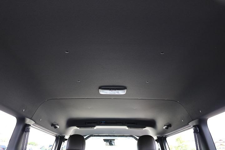 50thアニバーサリー黒天井! | トヨタ ハイエースバン 2.7 スーパーGL 50THアニバーサリー リミテッド ワイド ミドルルーフ ロングボディ4WD 50TH
