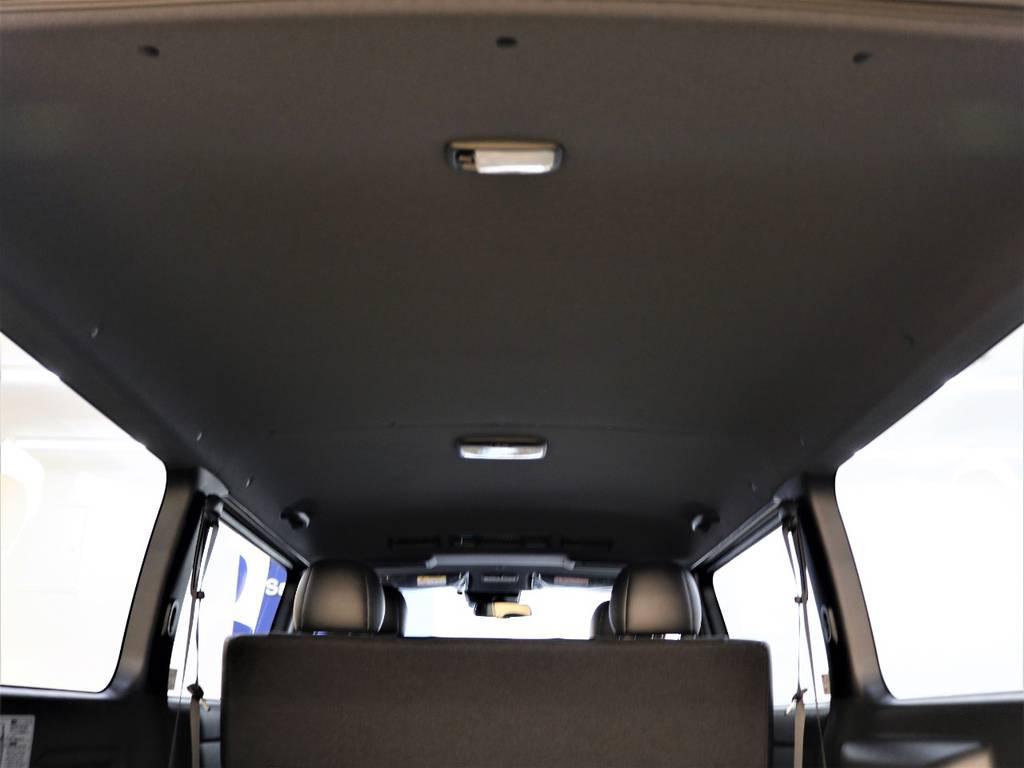 特別仕様のルーフとピラーはブラックに統一されております! | トヨタ ハイエースバン 2.8 スーパーGL ダークプライムⅡ ロングボディ ディーゼルターボ 4WD ライトカスタム  ナビ・ETC付