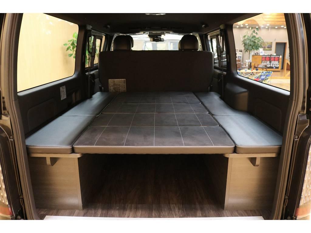 フルフラットのベッドキットは車中泊に最適!!