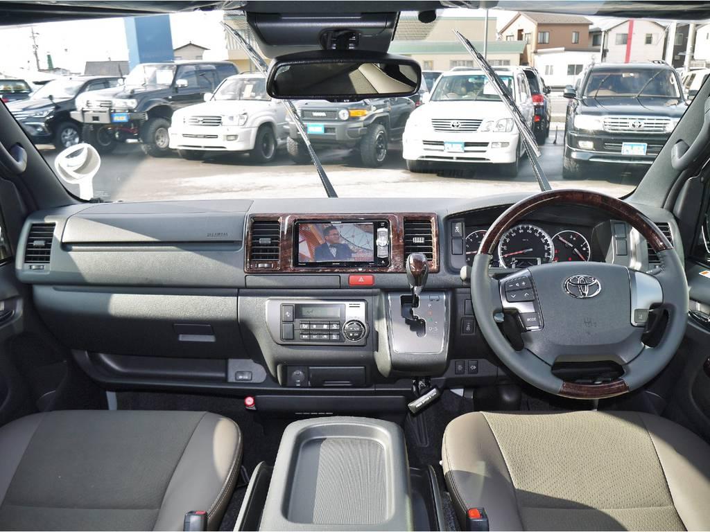   トヨタ ハイエースバン 2.8 スーパーGL 50TH アニバーサリー リミテッド ロングボディ ディーゼルターボ 4WD 50TH