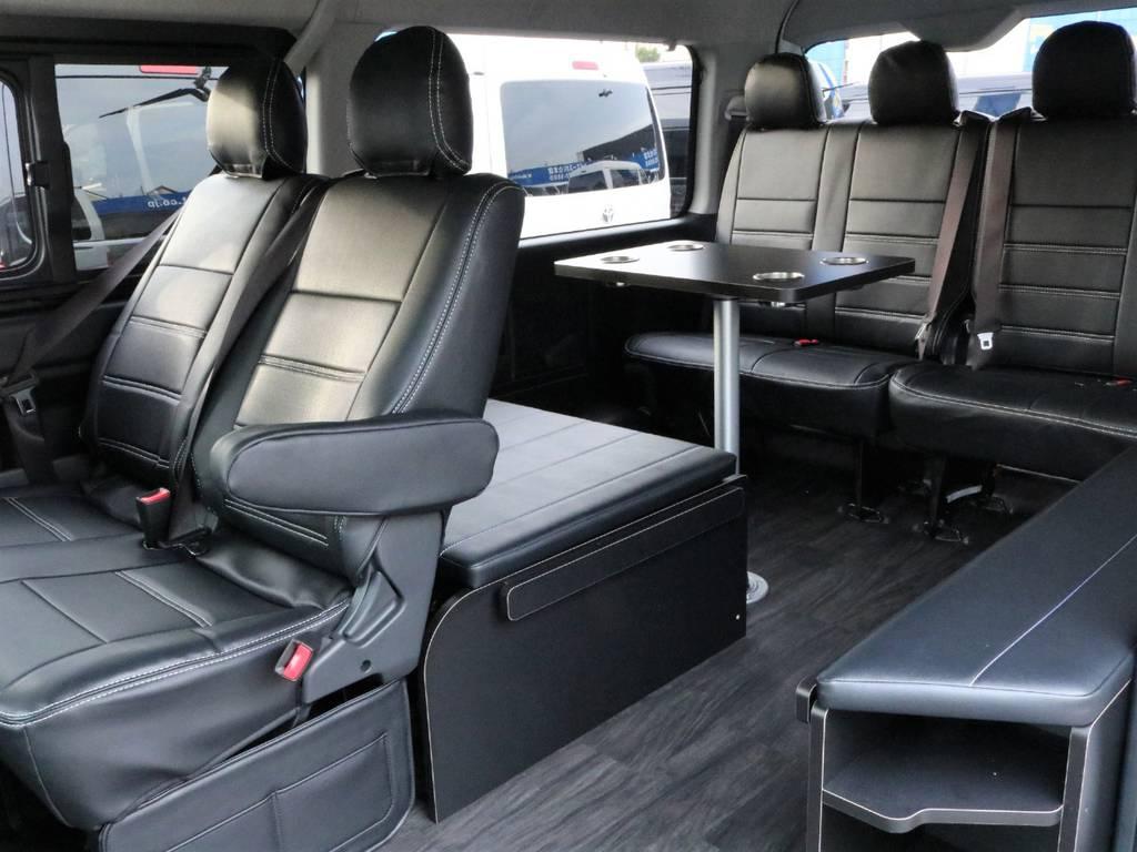 当店いちばん人気のベットマット&テーブル付きの内装架装です! | トヨタ ハイエース 2.7 GL ロング ミドルルーフ アレンジR1