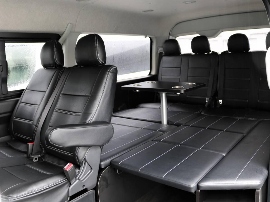 内装アレンジは大人気のR1!乗車人数とベッド空間の快適さが好評の1台です♪
