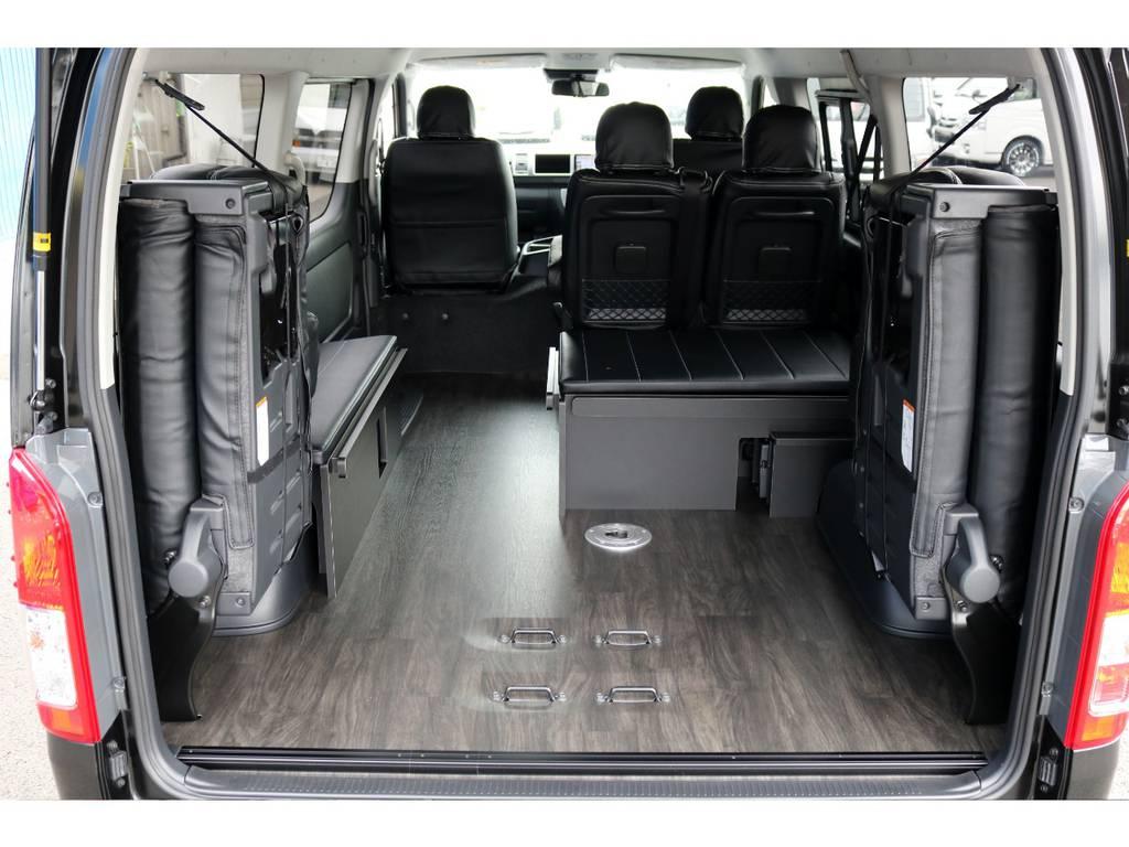 最後列を跳ね上げれば荷物もタップリ積めます! | トヨタ ハイエース 2.7 GL ロング ミドルルーフ 4WD アレンジR1