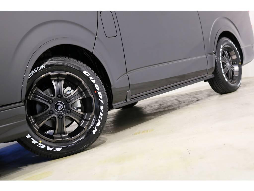 バルベロ ワイルドディープス17インチアルミホイール(FLEX専用カラー)&ナスカータイヤ!車検対応のESSEXリーガルフェンダーも装着! | トヨタ ハイエース 2.7 GL ロング ミドルルーフ 4WD アレンジR1