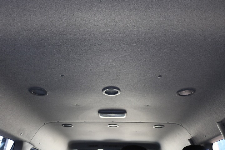 リア空調口も豊富なので後部座席の方も涼しい風で快適空間   トヨタ ハイエース 2.7 GL ロング ミドルルーフ 4WD TSS付