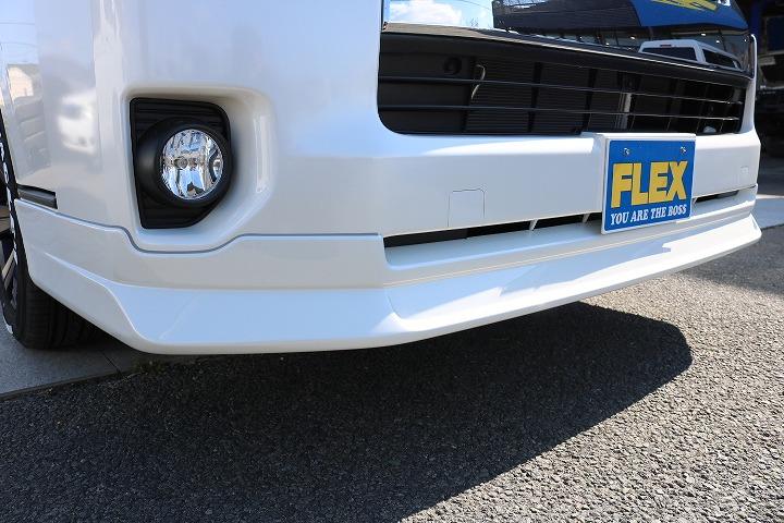FLEXオリジナルフロントスポイラーデルフィーノラインを装着してフロント周りをしっかりサポートしました   トヨタ ハイエース 2.7 GL ロング ミドルルーフ 4WD TSS付