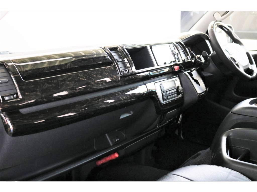 茶木目マホガニー調インテリアパネル/シフトノブ/ステアリングホイール カスタム済み!!!高級感のある運転席です!! | トヨタ ハイエース 2.7 GL ロング ミドルルーフ 4WD アレンジVer2