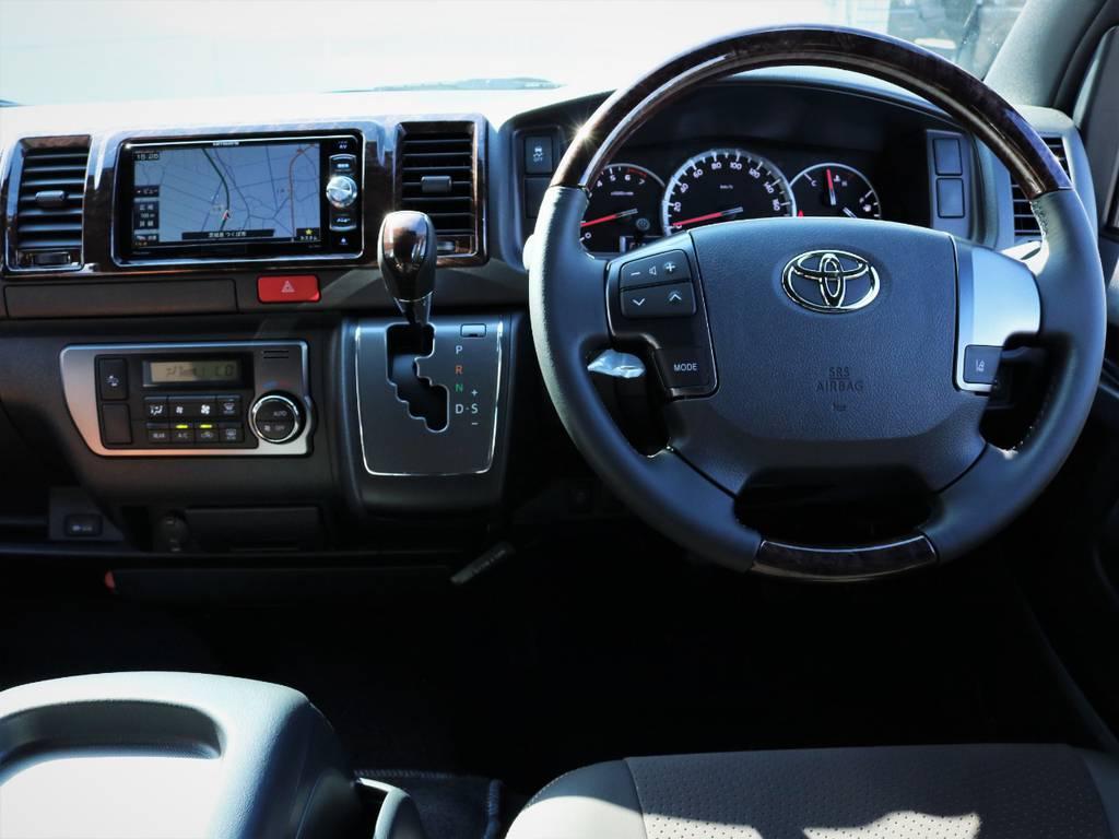 専用装備が満載の一台です! | トヨタ ハイエースバン 2.0 スーパーGL 50TH アニバーサリー リミテッド ロングボディ ライトカスタム
