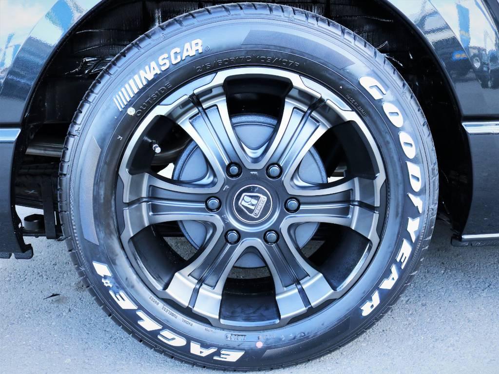 バルベロ17インチアルミホイール、国産ナスカータイヤ | トヨタ ハイエースバン 2.0 スーパーGL 50TH アニバーサリー リミテッド ロングボディ ライトカスタム