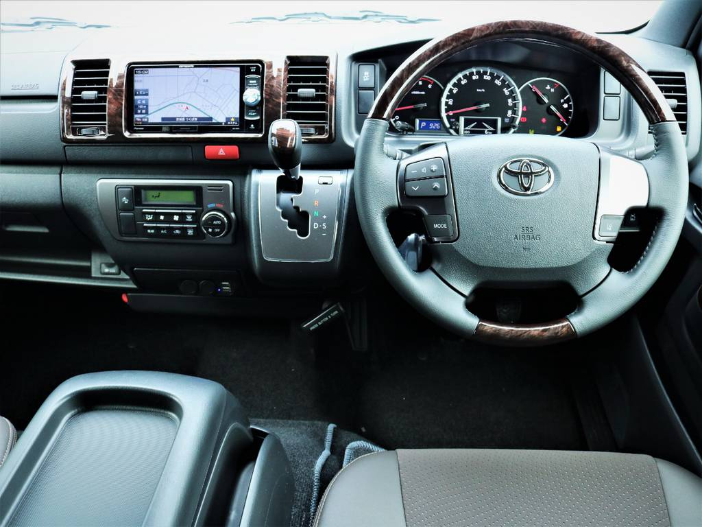 専用装備満載の一台です! | トヨタ ハイエースバン 2.0 スーパーGL 50TH アニバーサリー リミテッド ロングボディ 50TH