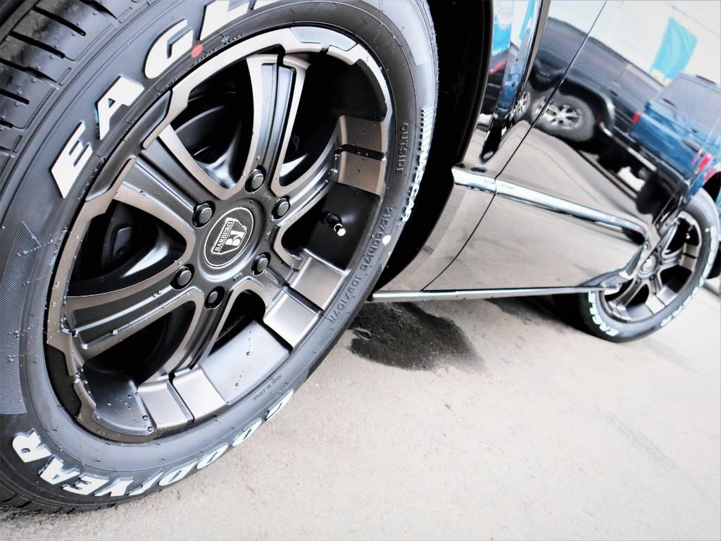 足元バッチリ決まっております! | トヨタ ハイエースバン 2.0 スーパーGL 50TH アニバーサリー リミテッド ロングボディ 50TH