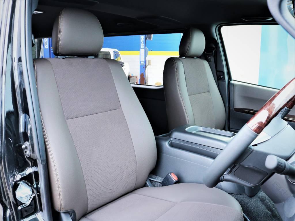 運転席シート、専用ハーフレザーシート! | トヨタ ハイエースバン 2.0 スーパーGL 50TH アニバーサリー リミテッド ロングボディ 50TH