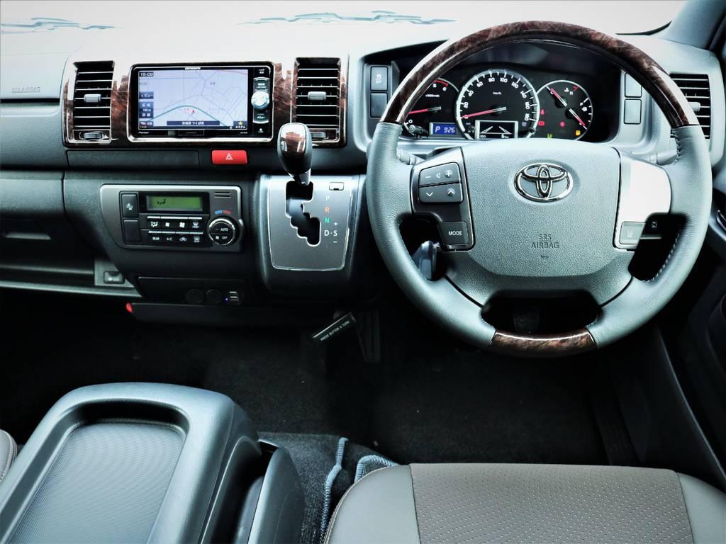 専用装備満載の一台です! | トヨタ ハイエースバン 2.8 スーパーGL 50TH アニバーサリー リミテッド ロングボディ ディーゼルターボ 50TH