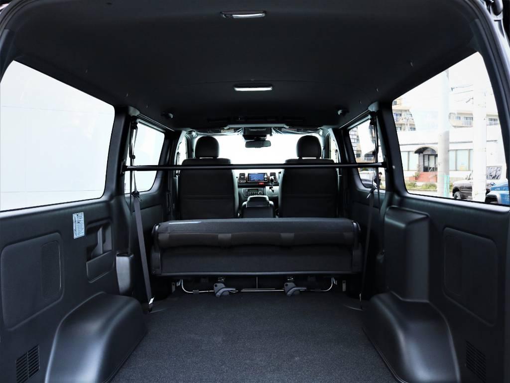 室内はブラックで統一されております! | トヨタ ハイエースバン 2.8 スーパーGL 50TH アニバーサリー リミテッド ロングボディ ディーゼルターボ 50TH