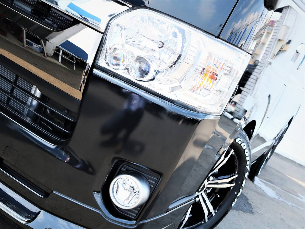夜間走行に便利なメーカーオプション「LEDヘッドライト」! | トヨタ ハイエースバン 2.8 スーパーGL 50TH アニバーサリー リミテッド ロングボディ ディーゼルターボ 50TH