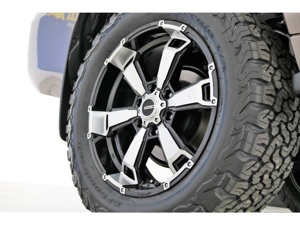 新品レイズ20インチホイール&新品BFグッドリッチATタイヤを装着致しました!   トヨタ ランドクルーザープラド 2.8 TX ディーゼルターボ 4WD 7人 新車未登録車 9インチナビ