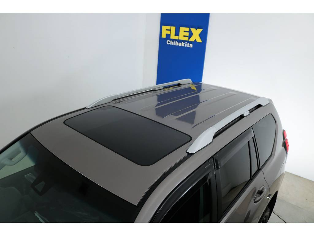 ディーラーオプションルーフレール付き!   トヨタ ランドクルーザープラド 2.8 TX ディーゼルターボ 4WD 7人 新車未登録車 9インチナビ