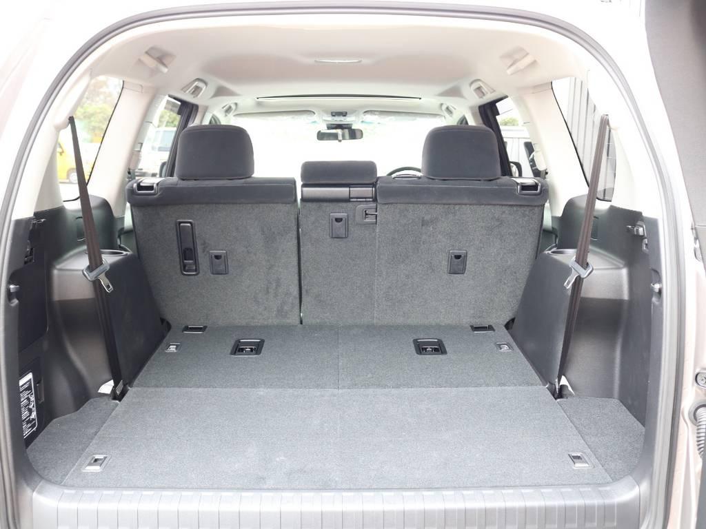広々したラゲッジルーム!大容量でキャンプ用品なども沢山収容できます! | トヨタ ランドクルーザープラド 2.8 TX ディーゼルターボ 4WD 7人 新車未登録車 9インチナビ