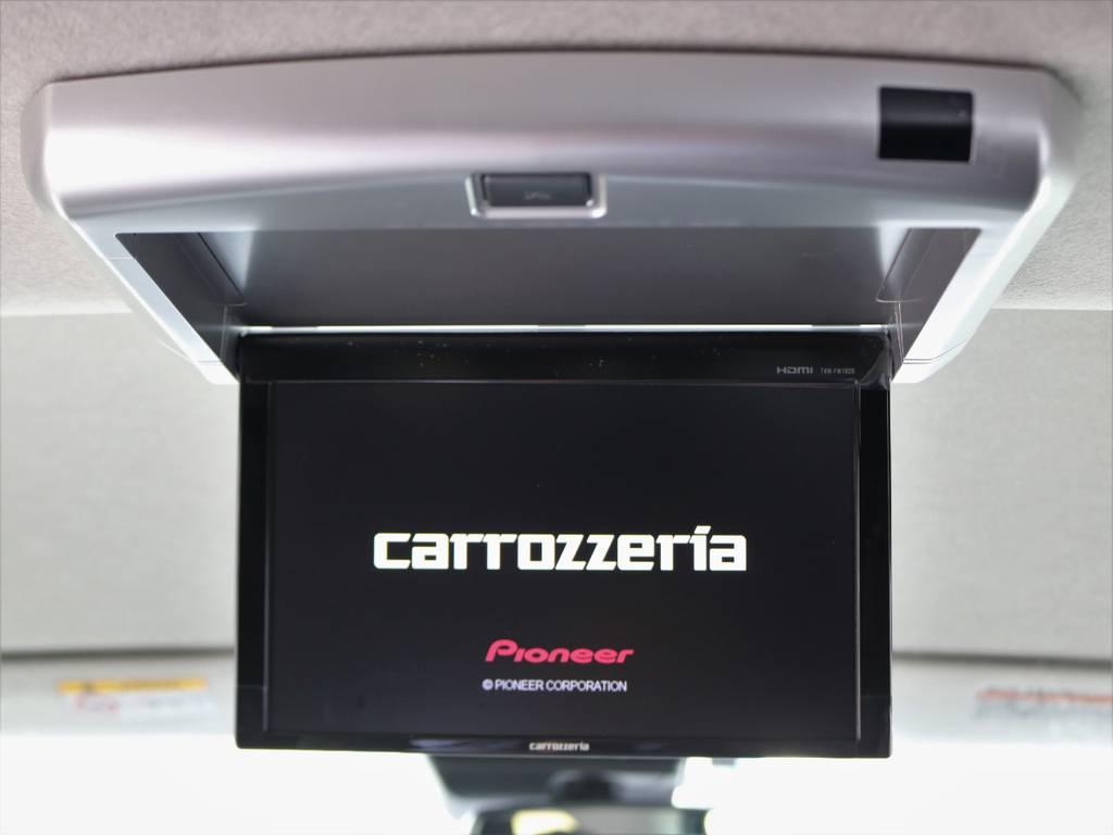 同乗者も嬉しいフリップダウンモニター装着済み! | トヨタ ハイエース 2.7 GL ロング ミドルルーフ TSS付 R1