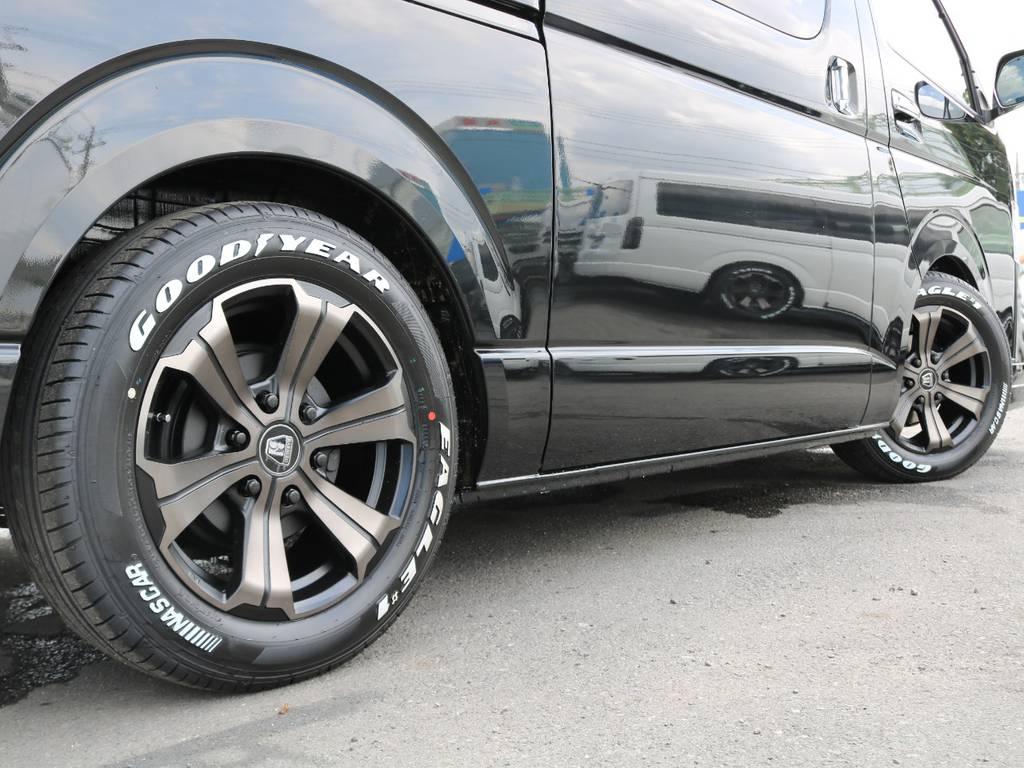 FLEX限定カラーアーバングランデ17インチ×ナスカーホワイトレター♪ | トヨタ ハイエース 2.7 GL ロング ファインテックツアラー 4脚キャプテンシート 両側自動ドア