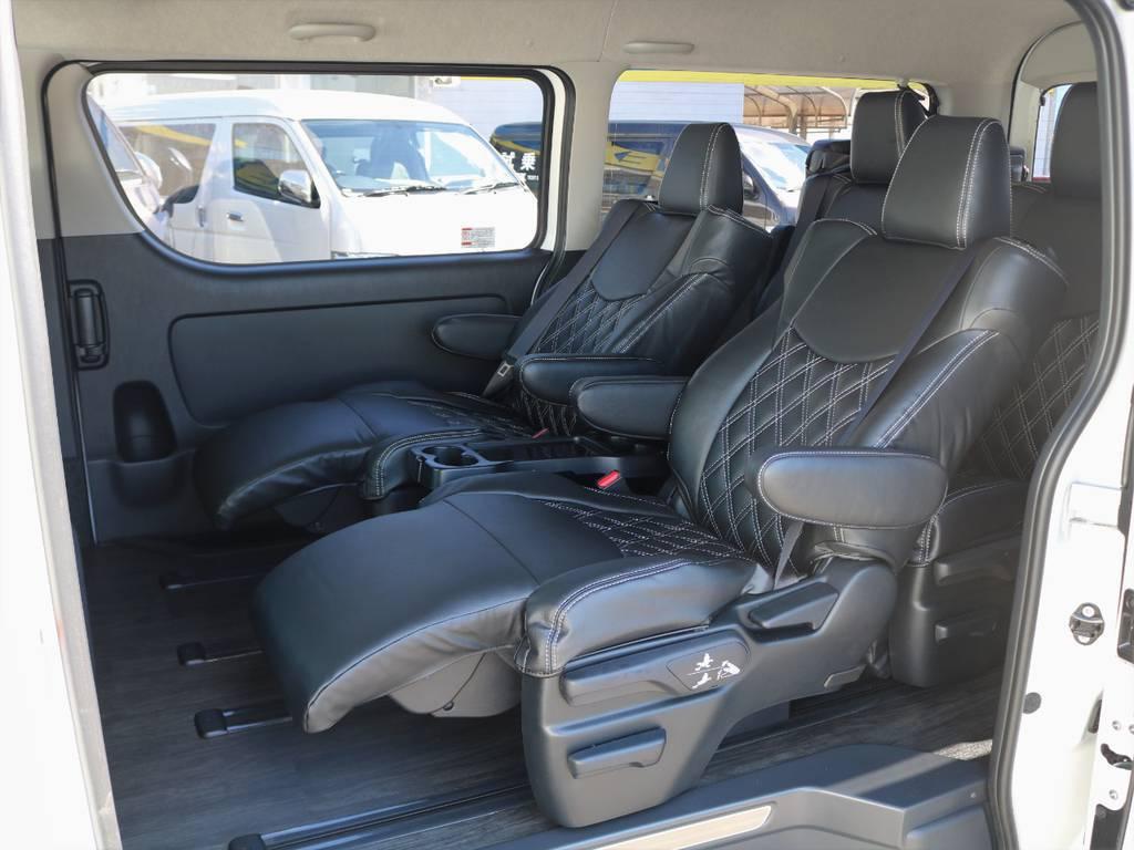 全席ダイヤキルカット黒革調シートカバーを装着! | トヨタ ハイエース 2.7 GL ロング ファインテックツアラー 4WD 4脚キャプテンシート 床張り
