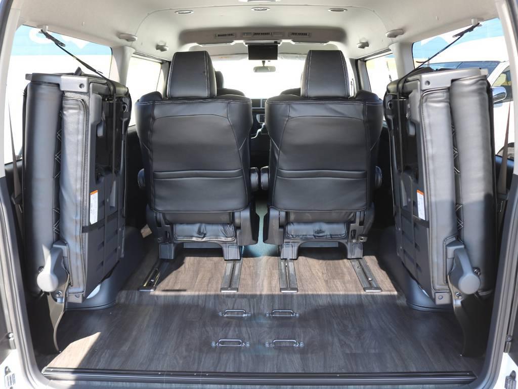 4列目シートは跳ね上げることも可能です! | トヨタ ハイエース 2.7 GL ロング ファインテックツアラー 4WD 4脚キャプテンシート 床張り