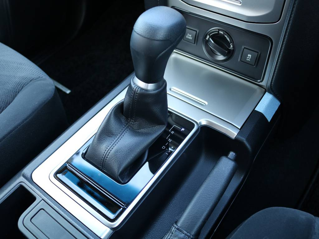 FLEXグループは「すべての人に愛車を」をコンセプトに車種別に全国展開中★愛車と一緒に、ライフスタイルを充実させてもらいたいという思いで、ランクル仙台泉店では皆様のご要望になんでもお応えします★ | トヨタ ランドクルーザープラド 2.7 TX 4WD 5人 20AW&KO2 9ナビBカメ