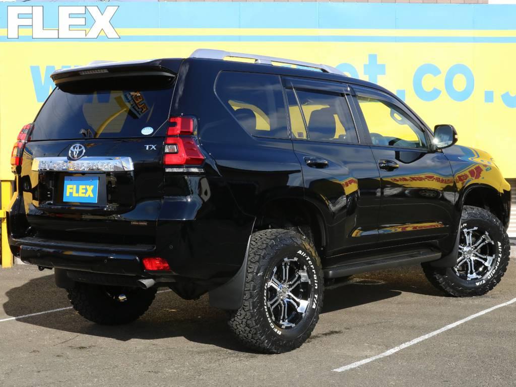 新品2インチリフトアップ!ノーマル車高のお車と比べますとサイズ感あり迫力があります♪他の方と差をつけたい方にもおすすめの1台です♪ | トヨタ ランドクルーザープラド 2.7 TX 4WD 5人 17AW&KO2 9ナビBカメ