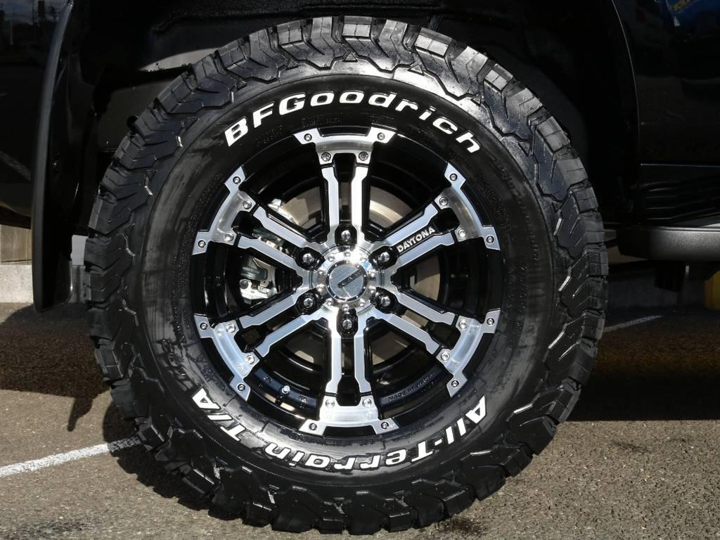 RAYS デイトナFDXの17インチアルミホイール&BFグッドリッチ KO2のセットを装着!ブラックボディと相まってカッコ良く仕上がっています♪ | トヨタ ランドクルーザープラド 2.7 TX 4WD 5人 17AW&KO2 9ナビBカメ