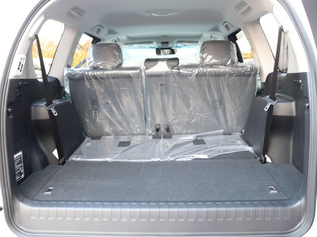 広々したラゲッジルーム!大容量でキャンプ用品なども沢山収容できます! | トヨタ ランドクルーザープラド 2.8 TX Lパッケージ ディーゼルターボ 4WD 7人 新車未登録車 9インチUP